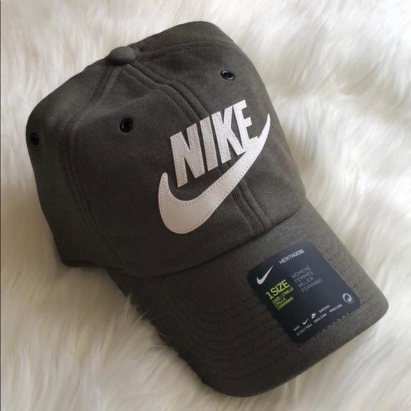 e5c94d2c268 Women s Nike Heritage86 Hat